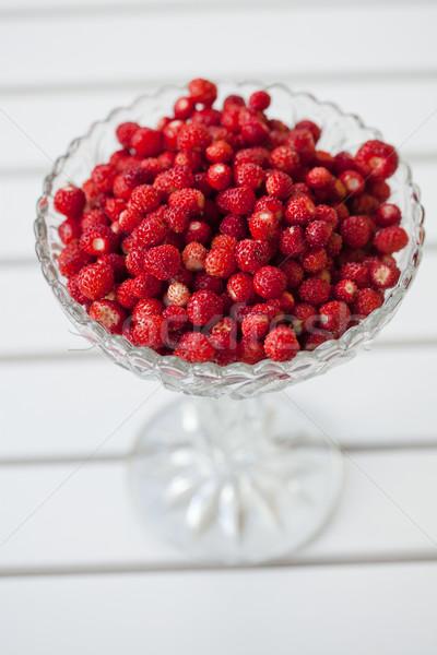 Tál vad eprek közelkép üveg friss Stock fotó © ElinaManninen