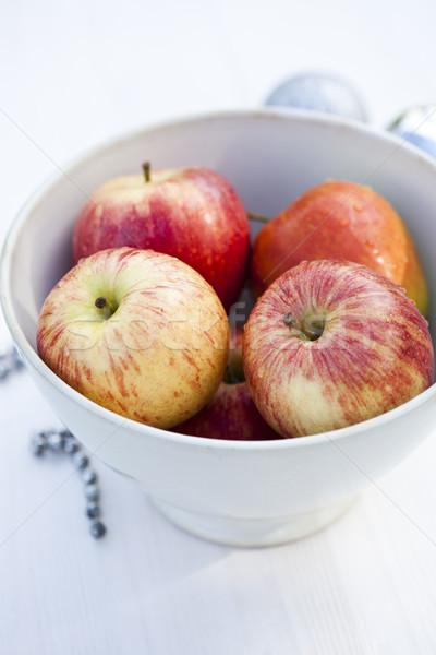 Christmas jabłka biały puchar pełny Zdjęcia stock © ElinaManninen