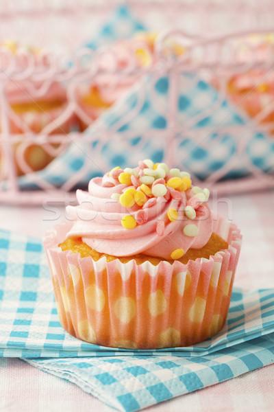 Rózsaszín muffin közelkép finom stúdiófelvétel étel Stock fotó © ElinaManninen