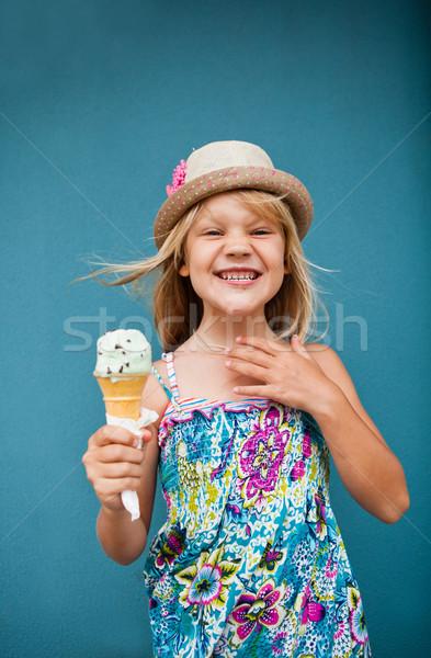 Foto d'archivio: Giovane · ragazza · cono · gelato · cute · sorridere · fuori