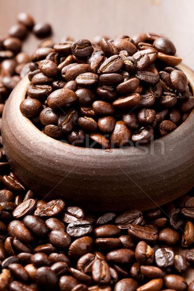 Kahve çekirdekleri fincan soyut makro Stok fotoğraf © ElinaManninen