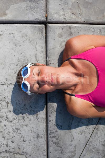 女性 スイマー プール エッジ 幸せ ストックフォト © ElinaManninen