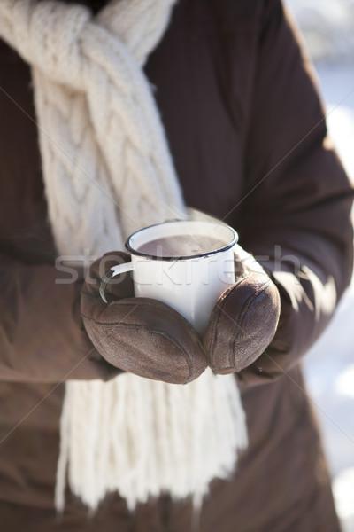 Chocolate quente caneca ao ar livre inverno dia beber Foto stock © ElinaManninen