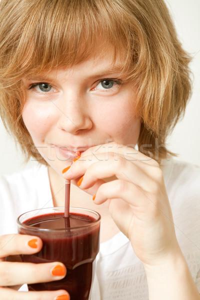 Сток-фото: женщину · питьевой · черника · льстец · молодые · красивая · женщина