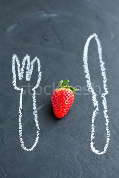 Friss egész eper egy kréta rajzok Stock fotó © ElinaManninen