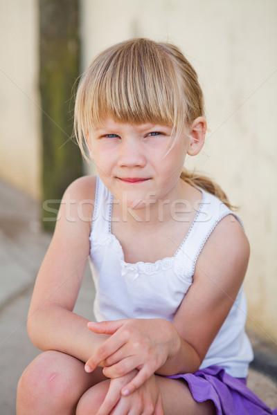 портрет Cute сидят конкретные стены Сток-фото © ElinaManninen