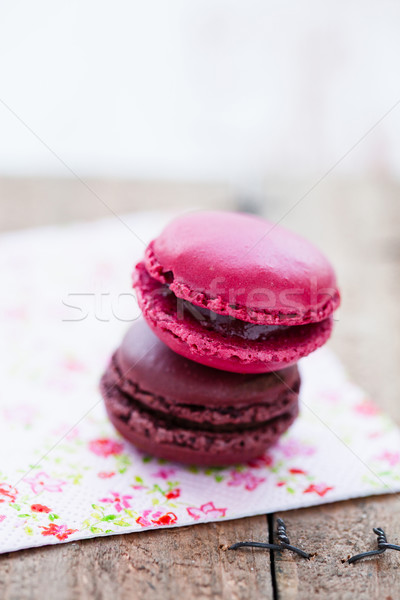 Iki ahşap masa çikolata tatlı Stok fotoğraf © ElinaManninen