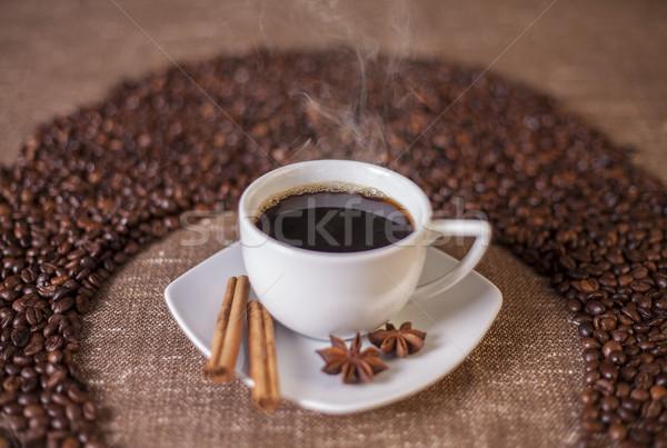 Tazza di caffè cannella anice stelle tela chicchi di caffè Foto d'archivio © Elisanth