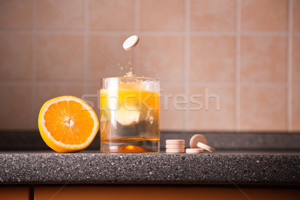 Vitamin c orange Tablet Glas Stock foto © Elisanth