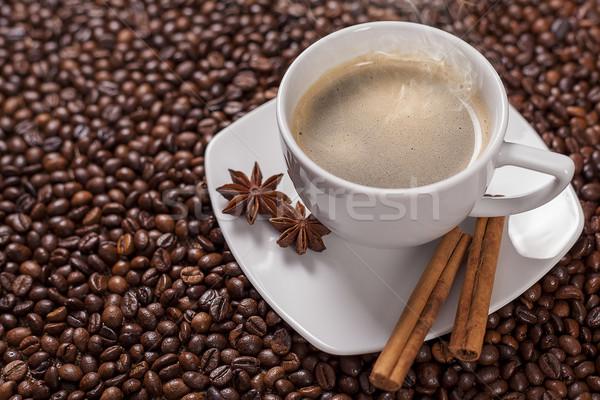 Kahve fincanı tarçın kahve çekirdekleri doku duman tablo Stok fotoğraf © Elisanth