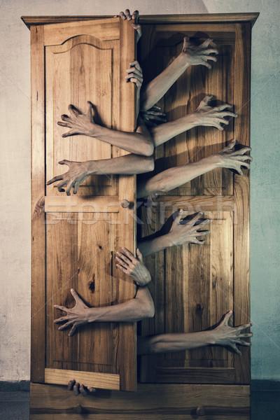 Potwora ręce uciec starych kubek Zdjęcia stock © Elisanth