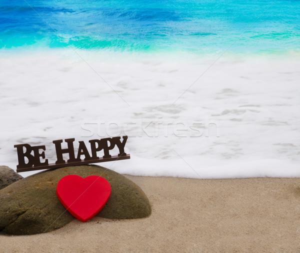 Forma de coração cartas praia vermelho feliz Foto stock © EllenSmile
