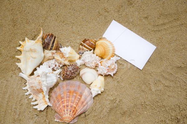 ストックフォト: 心臓の形態 · 紙 · カード · ビーチ · 砂浜
