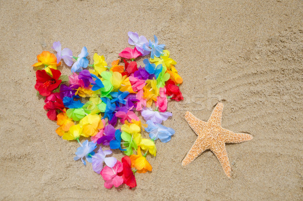 Foto stock: Forma · de · coração · starfish · praia · flores · amor · natureza