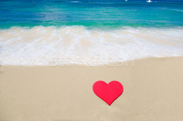 Forma de coração praia praia céu água mar Foto stock © EllenSmile