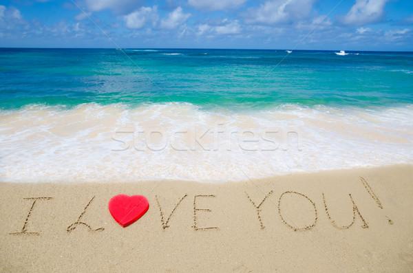 Assinar amor praia vermelho forma de coração céu Foto stock © EllenSmile