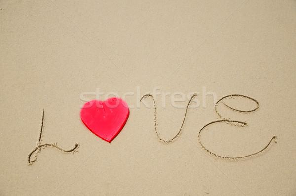 Assinar amor praia vermelho forma de coração praia Foto stock © EllenSmile