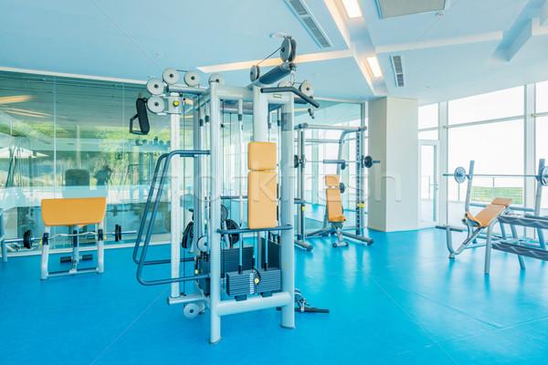 Moderno ginásio equipamentos esportivos fitness exercer Foto stock © Elnur