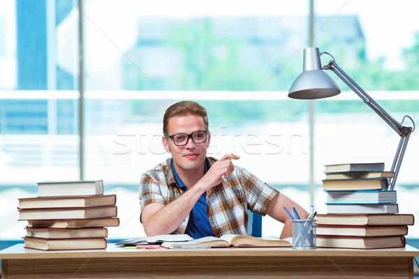 Fiatal férfi diák középiskola vizsgák könyvek Stock fotó © Elnur