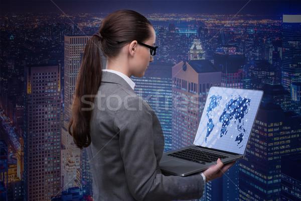 Mujer de negocios portátil negocio global ordenador mundo tierra Foto stock © Elnur