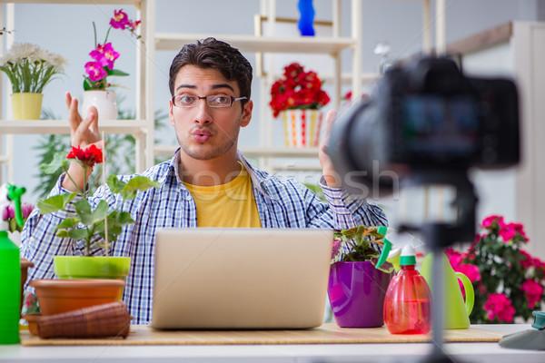 человека флорист садовник блоггер съемки видеокамерой Сток-фото © Elnur