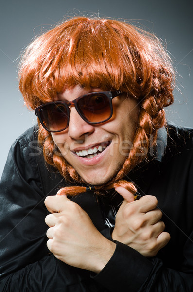 смешные человека парик бизнеса бизнесмен Сток-фото © Elnur