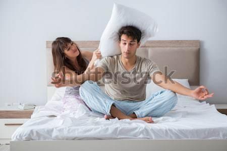 Familia conflicto esposa marido cama mujer Foto stock © Elnur