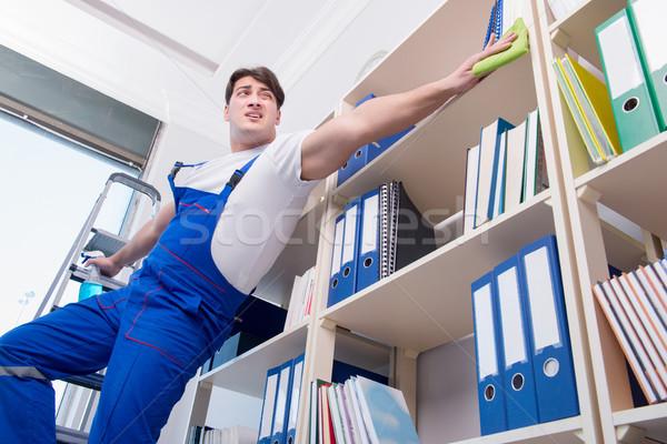 Férfi iroda takarító takarítás polcok férfi Stock fotó © Elnur