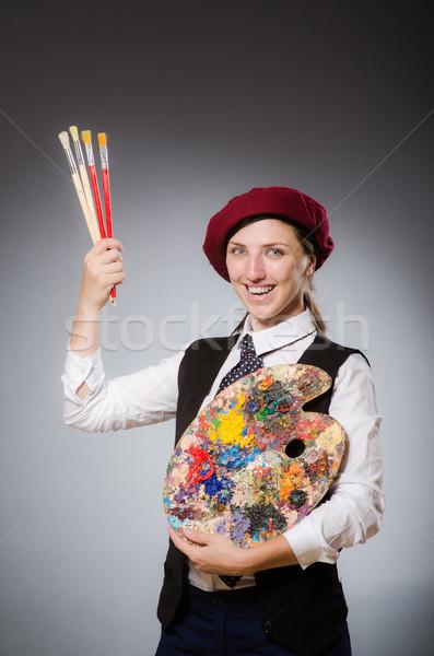 Vrouw kunstenaar kunst werk student verf Stockfoto © Elnur