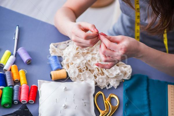 Kobieta krawiec pracy odzież szycia Zdjęcia stock © Elnur