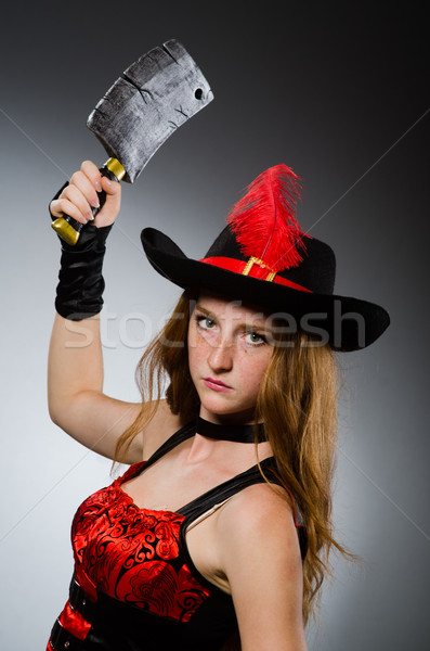 Femme pirate forte arme noir chapeau Photo stock © Elnur