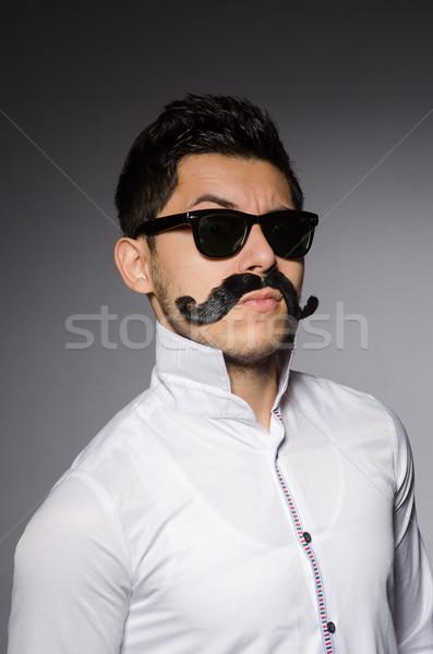 Foto stock: Jovem · caucasiano · homem · cinza · modelo · cabelo