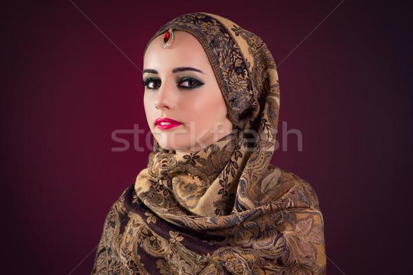 Muszlim nő szép ékszerek szépség arany Stock fotó © Elnur