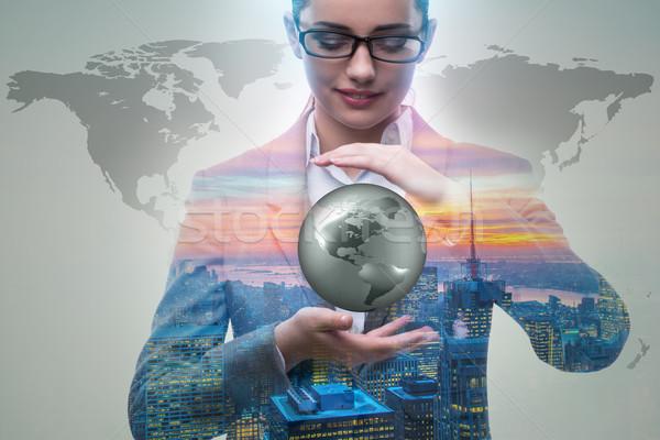 Empresária global de negócios negócio mulher mundo terra Foto stock © Elnur