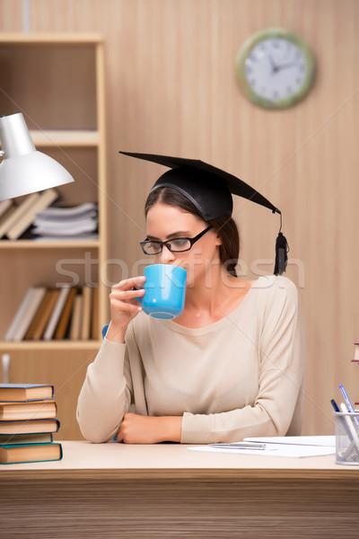 Genç öğrenci üniversite sınavlar kız kahve Stok fotoğraf © Elnur