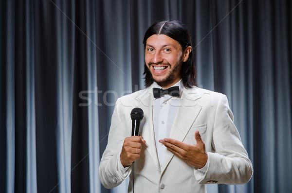 Man zingen gordijn karaoke partij microfoon Stockfoto © Elnur