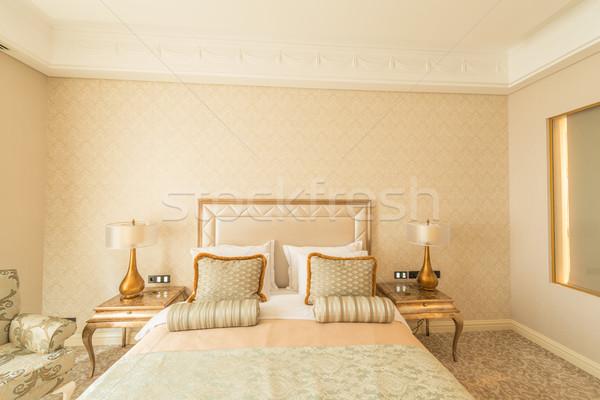 Yatak odası oda modern tarzda iş ev ışık Stok fotoğraf © Elnur