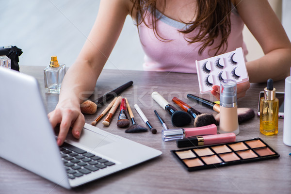 Moda blogger maquillaje ordenador ojo Foto stock © Elnur