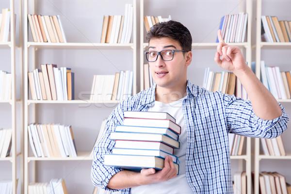 Giovani studente libri esami libro uomo Foto d'archivio © Elnur