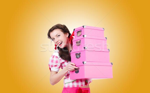 Genç kadın depolama kutuları eğim kadın kız Stok fotoğraf © Elnur