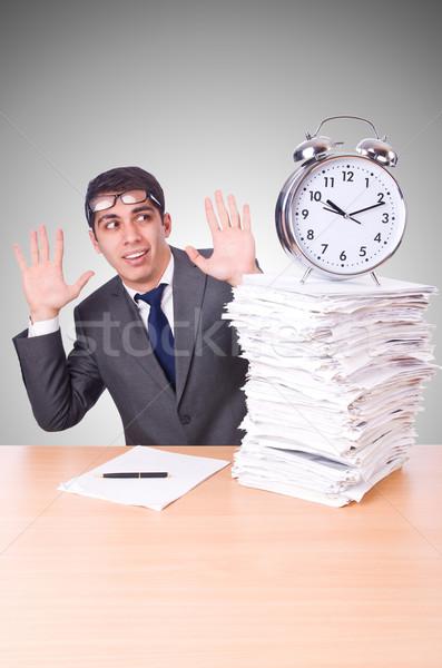 Kobieta biznesmen gigant budzik zegar pracy Zdjęcia stock © Elnur