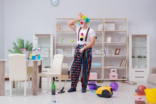 Grappig clown schoonmaken home glimlach gelukkig Stockfoto © Elnur