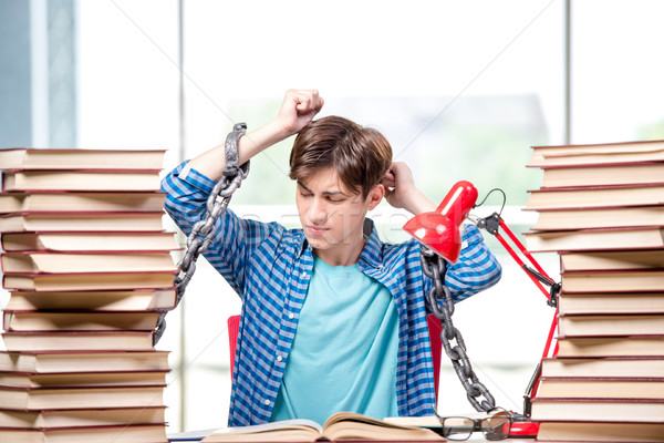 Stock fotó: Fiatalember · érettségi · vizsgák · főiskola · könyvek · iskola