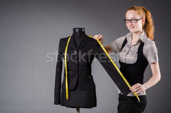 Mujer sastre de trabajo nuevos vestido moda Foto stock © Elnur