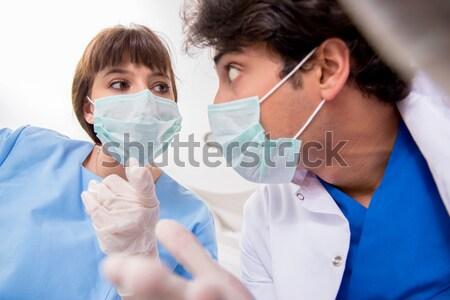 Lekarza wirusa leczenie laboratorium człowiek student Zdjęcia stock © Elnur