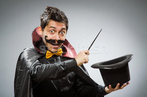 Vicces bűvész férfi kalap kéz mosoly Stock fotó © Elnur