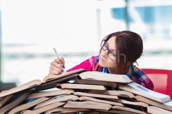 Fiatal női diák vizsgák lány könyvek Stock fotó © Elnur