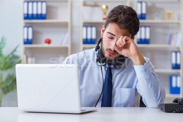 Call Center Mitarbeiter arbeiten Büro Computer Arbeit Stock foto © Elnur