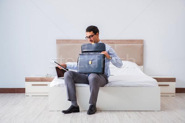 Empresário quarto de hotel viajar negócio computador casa Foto stock © Elnur