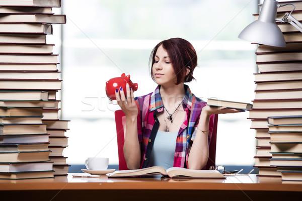 Drogi kobiet student dziewczyna książek Zdjęcia stock © Elnur
